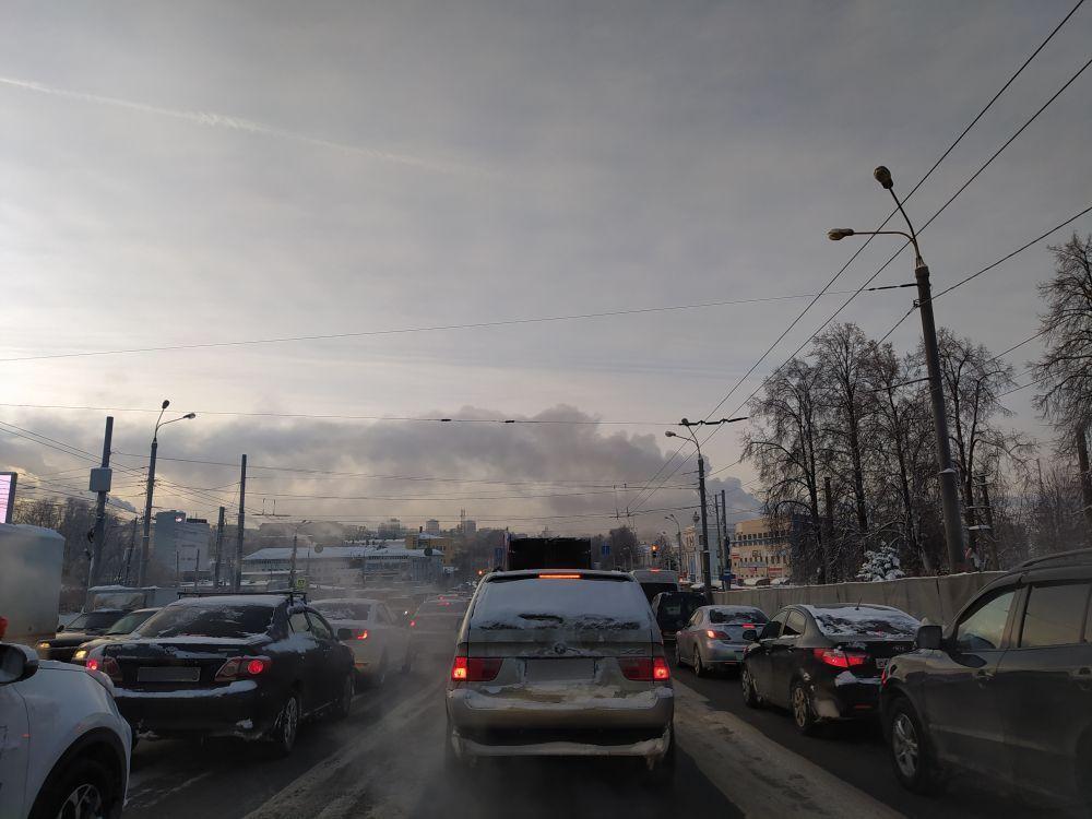 Парализовано движение на проспекте Гагарина в Нижнем Новгороде - фото 1