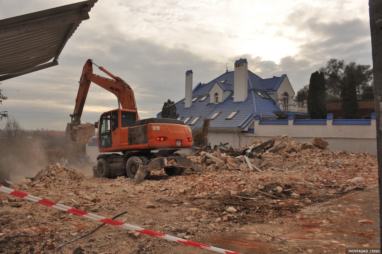 Три старинных дома снесли в центре Ростова-на-Дону